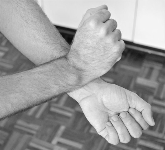 Grooming Mistakes - Rubbing Wrists Together After Applying Fragrance